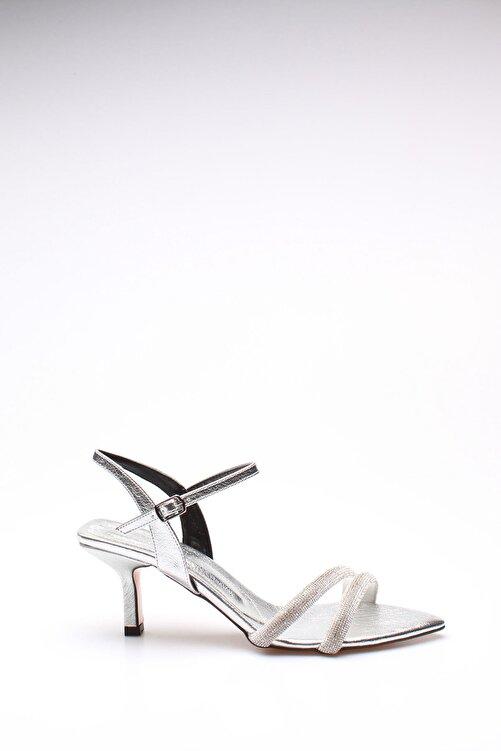 ROVIGO Kadın Gümüş Taşlı Kırışık Rugan Topuklu Ayakkabı 2