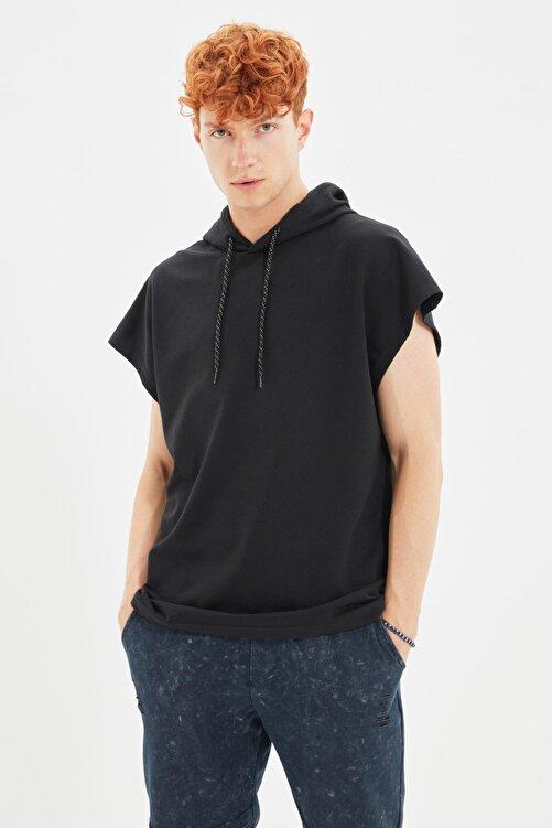 TRENDYOL MAN Siyah Erkek Kapüşonlu Oversize Kısa Kollu Sweatshirt TMNSS20SW0148 1