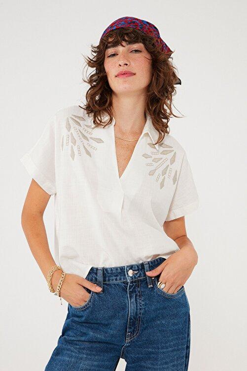 Mavi Kadın Nakışlı Beyaz Bluz 122852-34519 122852-34519 1