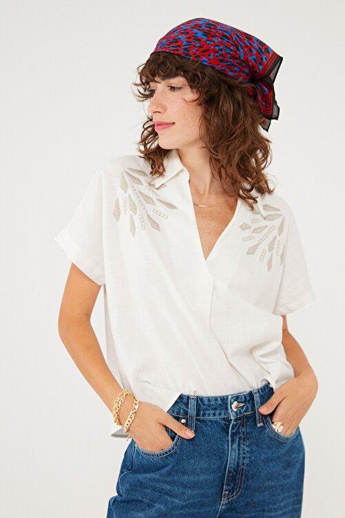 Mavi Kadın Nakışlı Beyaz Bluz 122852-34519 122852-34519 2