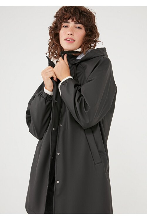 Mavi Kapüşonlu Siyah Ceket 110869-900 2