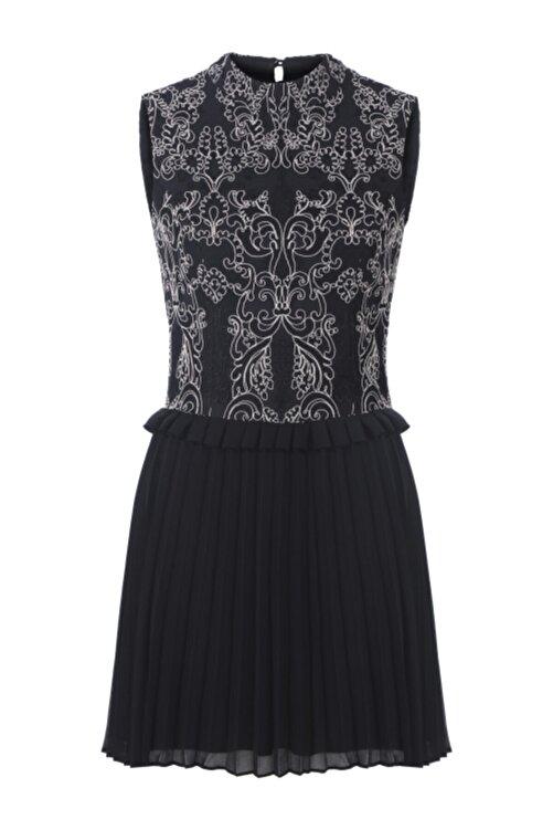 Meltem Özbek Kadın Siyah Dantelli Pilise Detaylı Elbise 1
