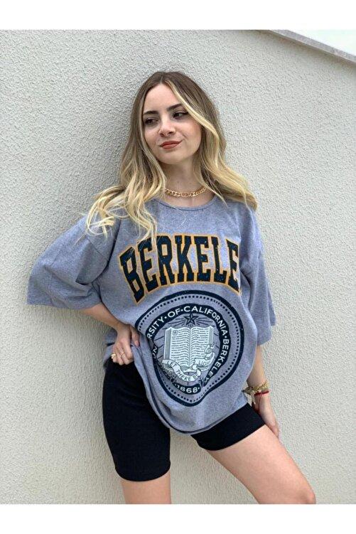 twentyone Kadın Oversize Berkeley Baskılı T-shirt 1