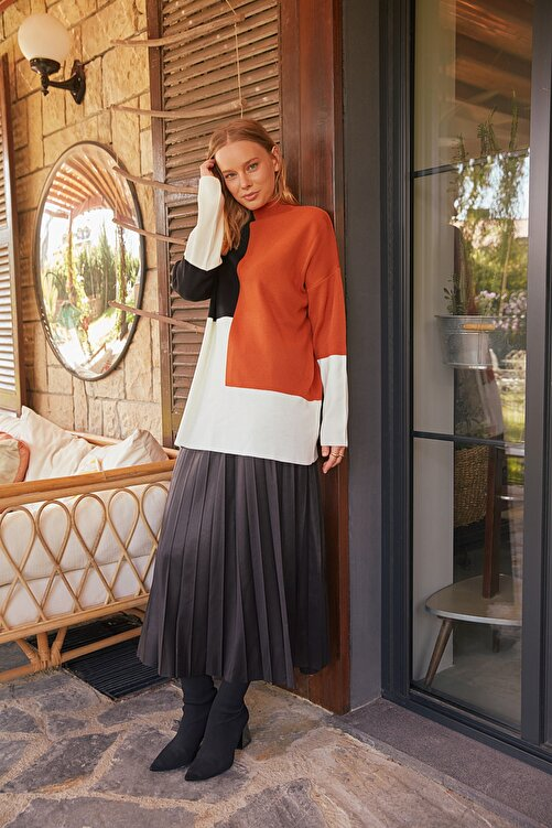 Trendyol Modest Kahverengi Renk Bloklu Basic Triko Kazak TCTAW22AK0054 1