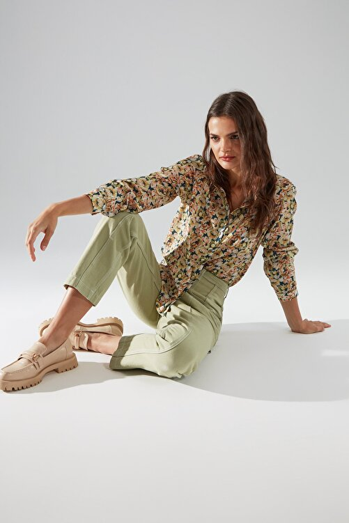TRENDYOLMİLLA Haki Dikiş Detaylı Yüksek Bel Mom Jeans TWOSS20JE0386 2