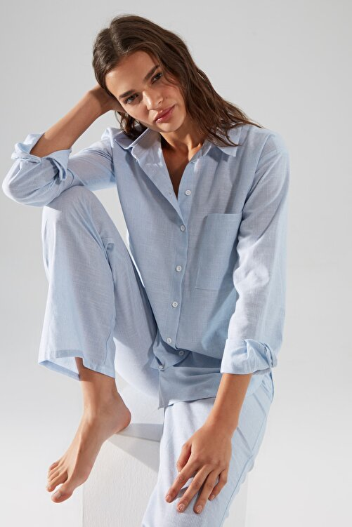 TRENDYOLMİLLA Mavi Çizgili Dokuma Pijama Takımı THMAW21PT0175 1
