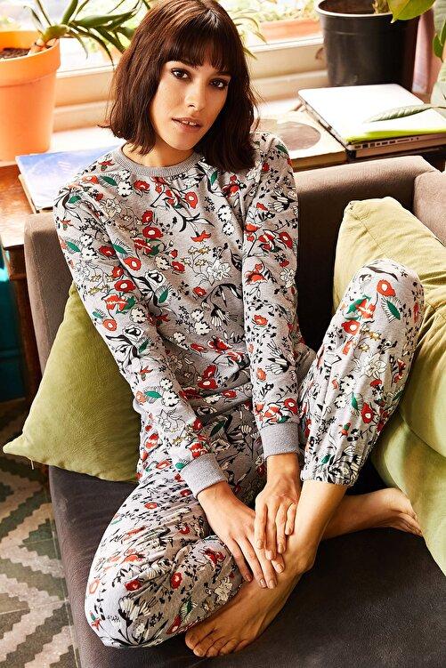 Olalook Kadın Gri Kırmızı Çiçekli Pijama Takımı PJM-00000003 1