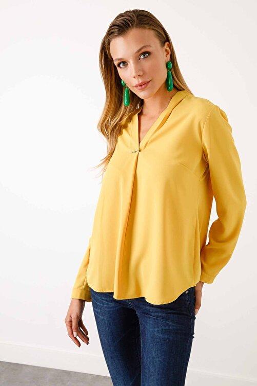 Ekol Kadın  V Yaka Süs Düğmeli Bluz 2