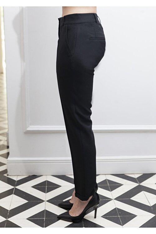 ÖZLEM AHIAKIN Siyah Pantolon 2