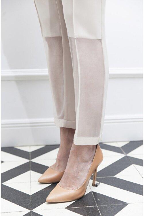 ÖZLEM AHIAKIN Organze Detaylı Bej Rengi Kumaş Pantolon 2