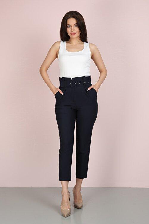 ChiChero Kadın Lacivert Havuç Pileli Kalın Kemerli Kumaş Pantolon 1