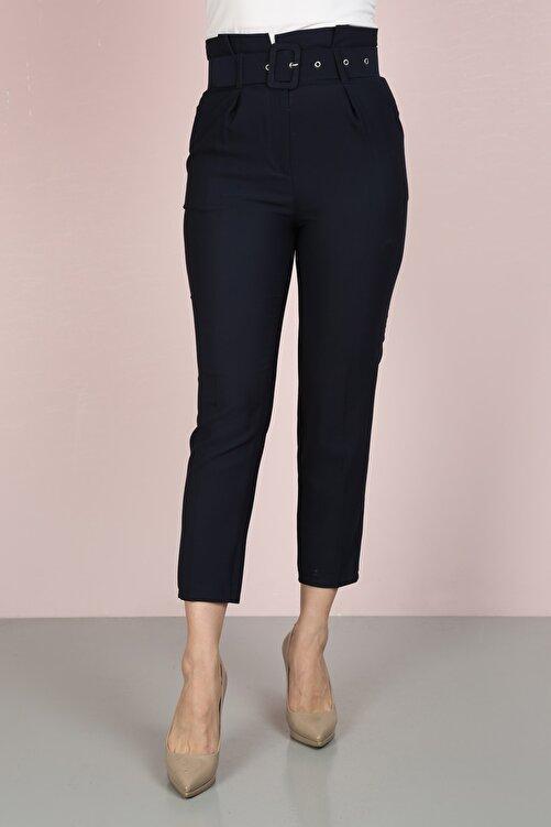 ChiChero Kadın Lacivert Havuç Pileli Kalın Kemerli Kumaş Pantolon 2