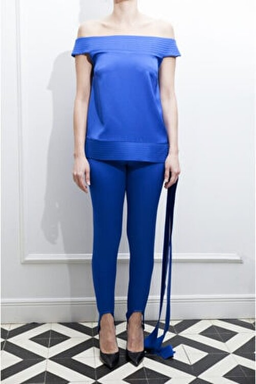 ÖZLEM AHIAKIN Gece Mavisi Parlak Saten Bluz 1