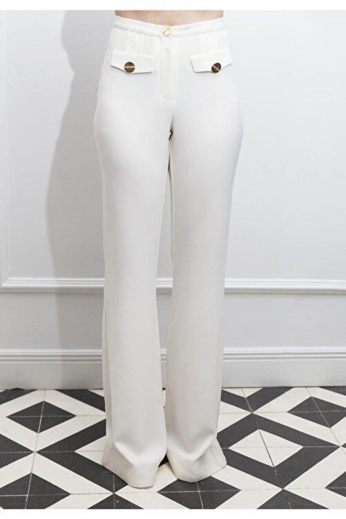 ÖZLEM AHIAKIN Ispanyol Paça Beyaz Pantolon 1
