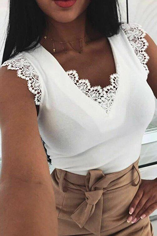 BLACK&GRACE Kadın Beyaz Sırt Detaylı Ve Motifli Bluz / 53y 1