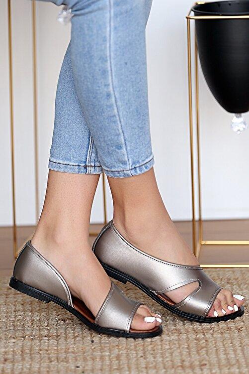 Pembe Potin Kadın Platin Sandalet 1