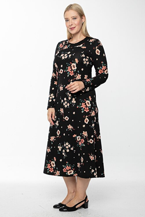 1fazlası Kadın Siyah Uzun, Küçük Gül Kurusu Baskılı Krep Elbise 2