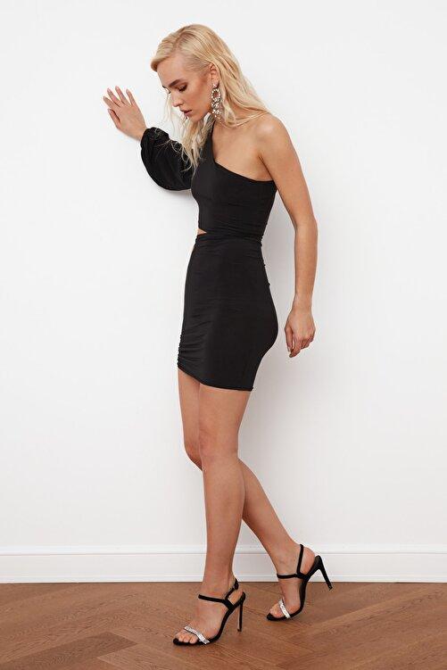 TRENDYOLMİLLA SiyahTek Kol Drapeli Elbise TPRSS21EL0179 2