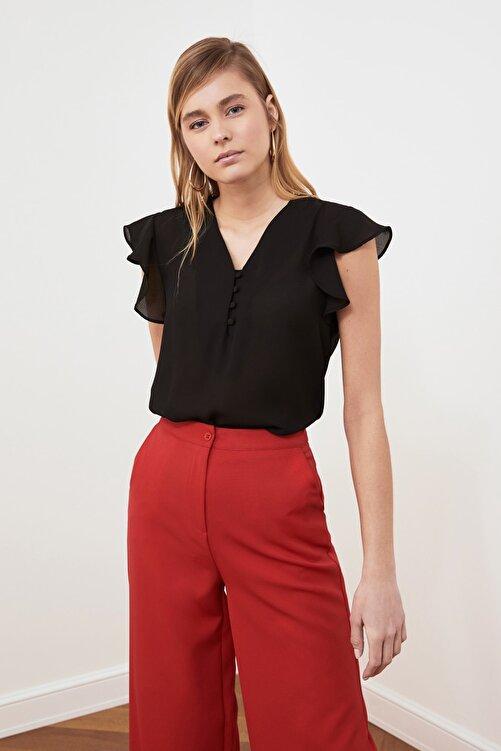TRENDYOLMİLLA Siyah Düğme Detaylı Bluz TWOSS20BZ0894 1