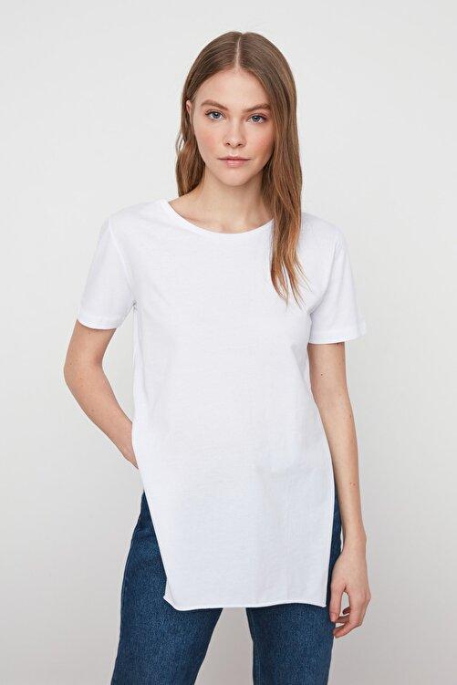 TRENDYOLMİLLA Ekru Asimetrik Boyfriend Örme T-Shirt TWOSS20TS0829 2