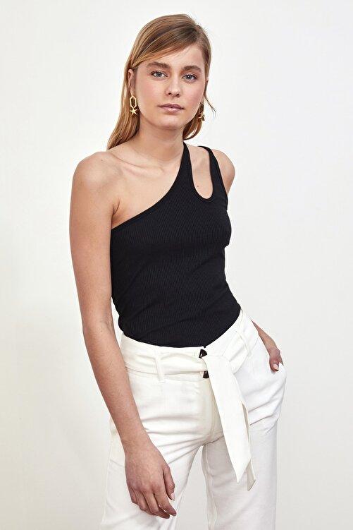 TRENDYOLMİLLA Siyah Tek Omuzlu Fitilli Örme Bluz TWOSS21BZ0563 2