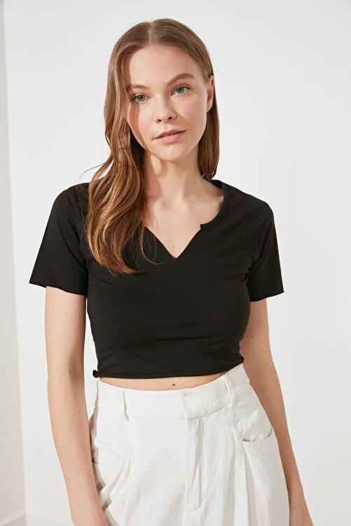 TRENDYOLMİLLA Siyah Crop Yaka Detaylı Örme T-Shirt TWOSS21TS1679 2
