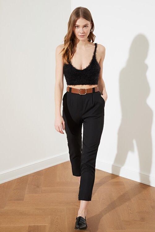 TRENDYOLMİLLA Siyah Deri Kemerli Pili Detaylı Yüksek Bel Pantolon TWOSS21PL0338 1