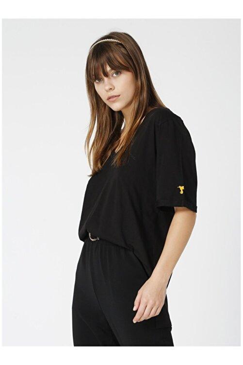Fabrika Talita Beyaz V Yaka Kadın T-shirt 1