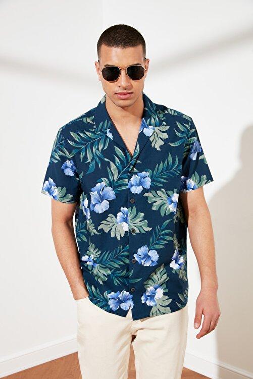 TRENDYOL MAN Lacivert Erkek Regular Fit Kısa Kol Apaş Yaka Baskılı Gömlek TMNSS21GO0112 1