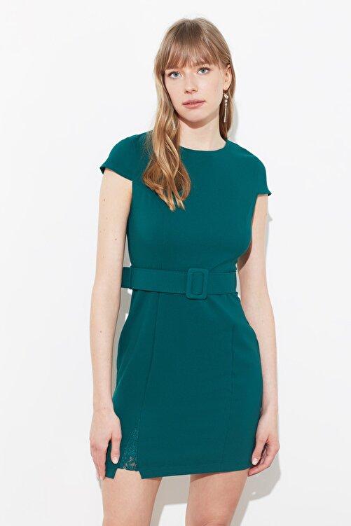 TRENDYOLMİLLA Yeşil Kemerli Dantel Detaylı Elbise TWOAW20EL0313 1