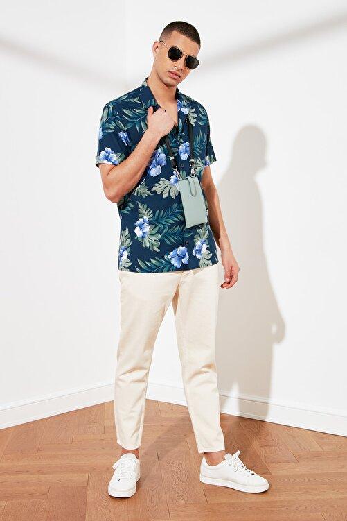 TRENDYOL MAN Lacivert Erkek Regular Fit Kısa Kol Apaş Yaka Baskılı Gömlek TMNSS21GO0112 2