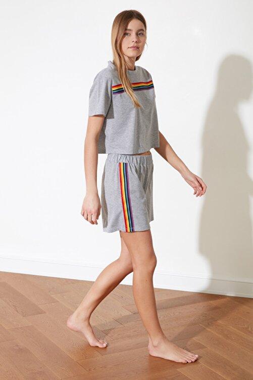 TRENDYOLMİLLA Gri Şerit Detaylı Örme Pijama Takımı THMSS21PT0081 2