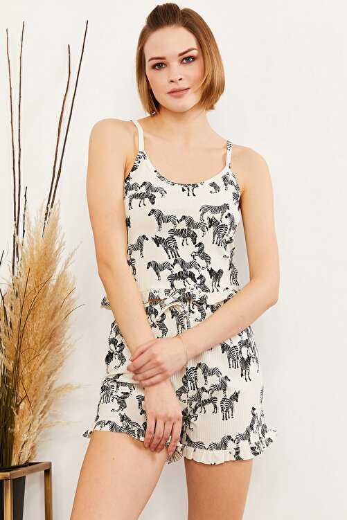 Olalook Kadın Zebra Ekru Askılı Fırfırlı Pijama Takımı TKM-19000076 1