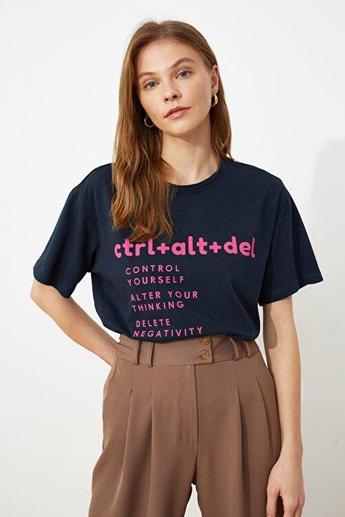 TRENDYOLMİLLA Lacivert Baskılı Boyfriend Örme T-Shirt TWOSS21TS0118 2