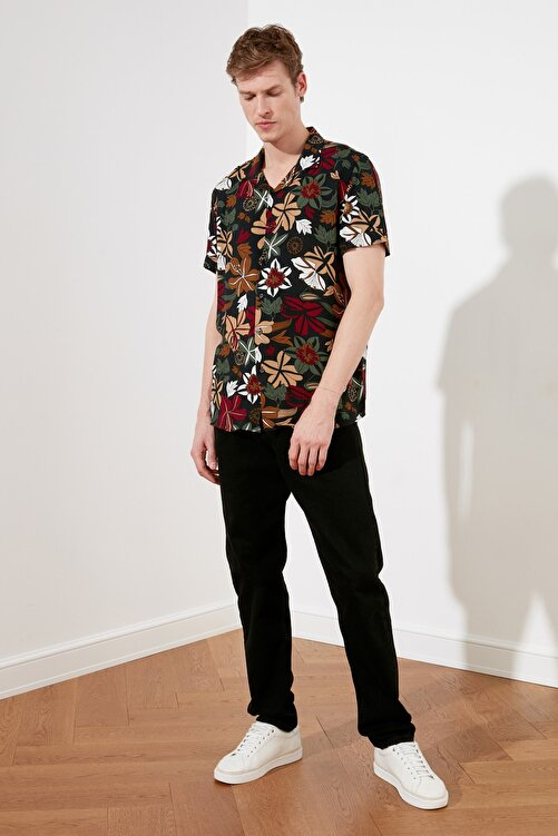 TRENDYOL MAN Çok Renkli Erkek Regular Fit Apaş Yaka Çiçekli Gömlek TMNSS21GO0489 1