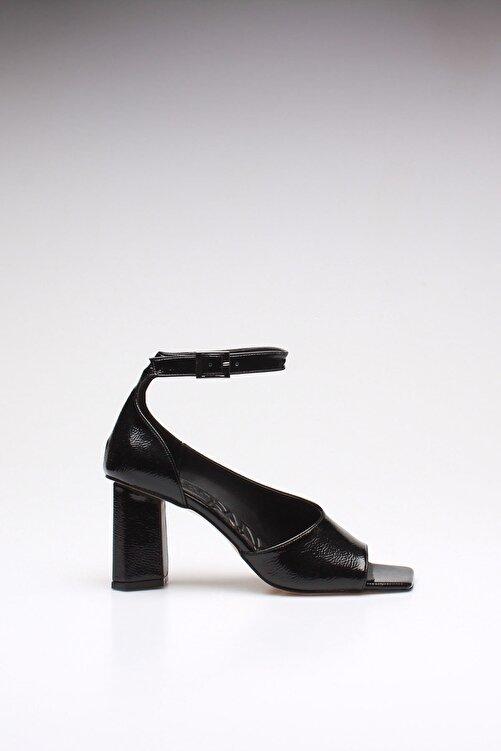 ROVIGO Kadın Siyah Kırışık Rugan Topuklu Ayakkabı 2