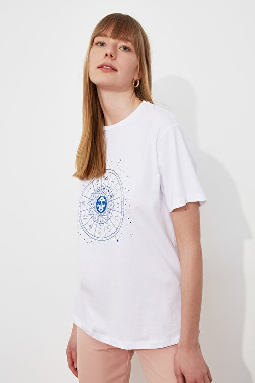 TRENDYOLMİLLA Beyaz Baskılı Boyfriend Örme T-Shirt TWOSS20TS0249 1