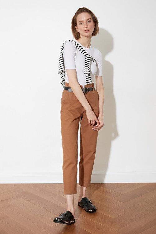 TRENDYOLMİLLA Kahverengi Kemerli Pantolon TWOSS21PL0097 1