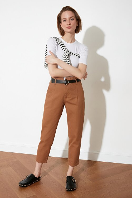 TRENDYOLMİLLA Kahverengi Kemerli Pantolon TWOSS21PL0097 2