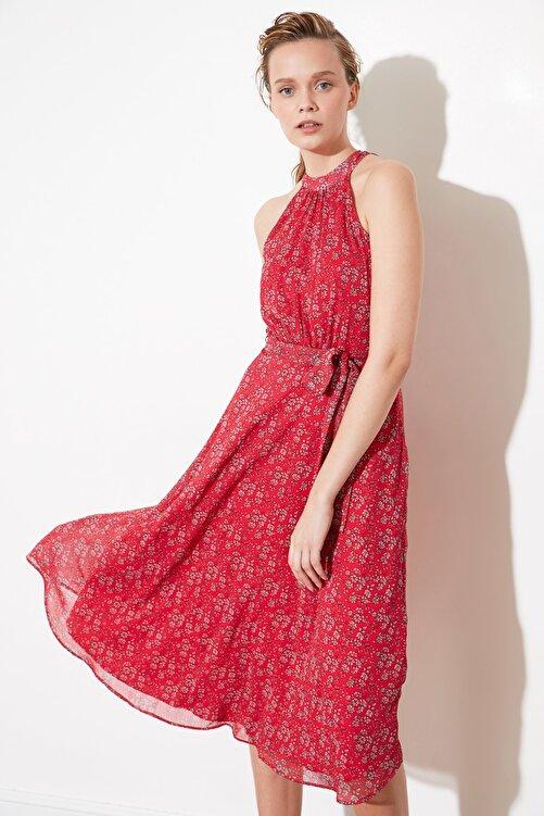 TRENDYOLMİLLA Pembe Kuşaklı Çiçek Desenli Halter Yaka Elbise TWOSS20EL2536 2