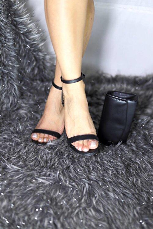 Pekcan Ayakkabı Tek Bant Mat Siyah Topuklu Sandalet 2