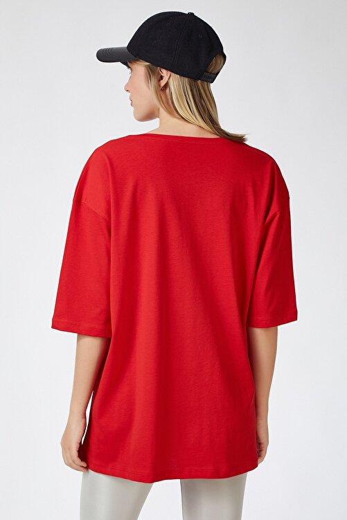 Happiness İst. Kadın Kırmızı Baskılı Oversize Uzun Penye T-shirt ZV00105 2