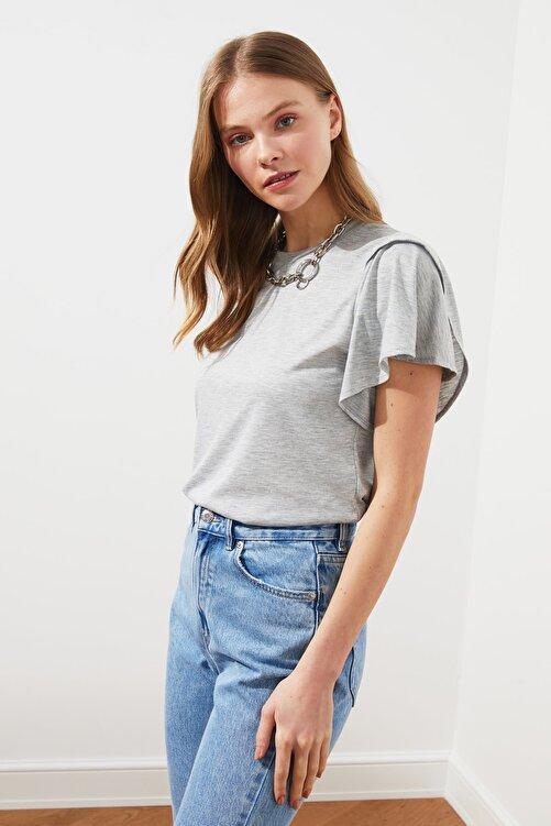 TRENDYOLMİLLA Gri Volanlı Basic Örme T-Shirt TWOSS21TS0650 1