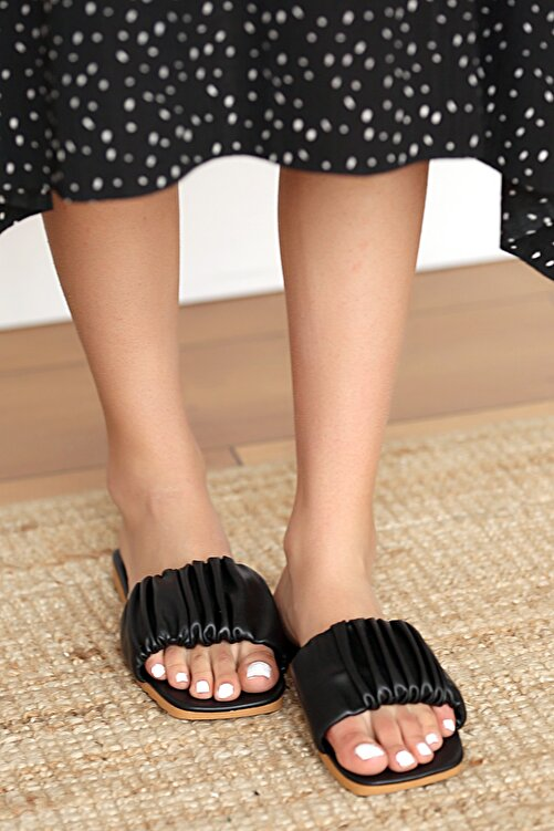 Pembe Potin Kadın Siyah Sandalet 1