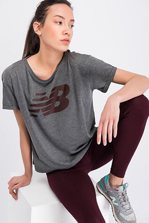 New Balance Kadın T-shirt - V-WTT807-CHC 2