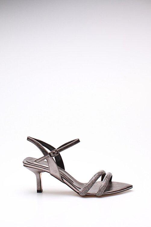 ROVIGO Kadın Platin Taşlı Kırışık Rugan Topuklu Ayakkabı 2