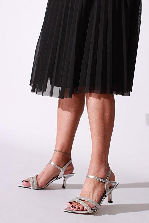 ROVIGO Kadın Gümüş Taşlı Kırışık Rugan Topuklu Ayakkabı 1