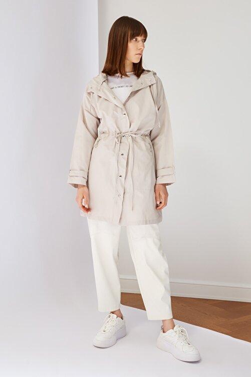 Trendyol Modest Taş Kapüşonlu Tesettür Ceket TCTSS21CE0415 1