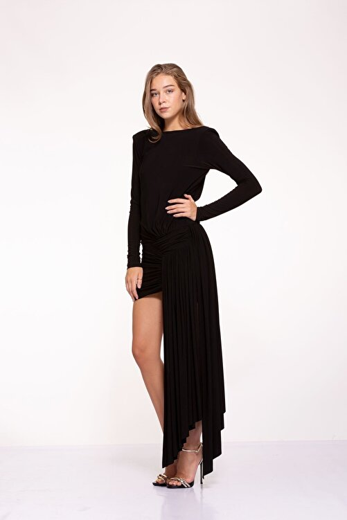 Tuba Ergin Kadın Siyah Asimetrik Etek Detaylı Sırt Dekolteli Mini Berta Elbise 2