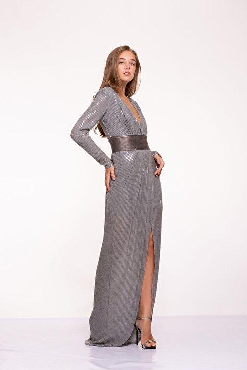 Tuba Ergin Kadın Gümüş Komple Boncuk Ve Payet Işlemeli Deri Kemer Detaylı Maxi Hina Elbise 2